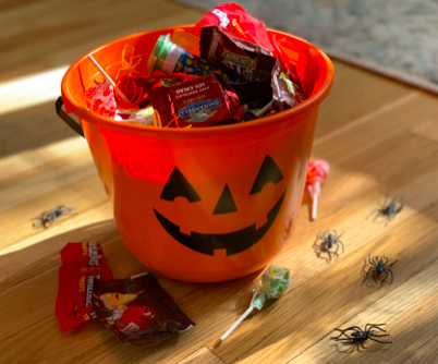 Halloween Candy Cauldron Scavenger Hunt with Curated Care